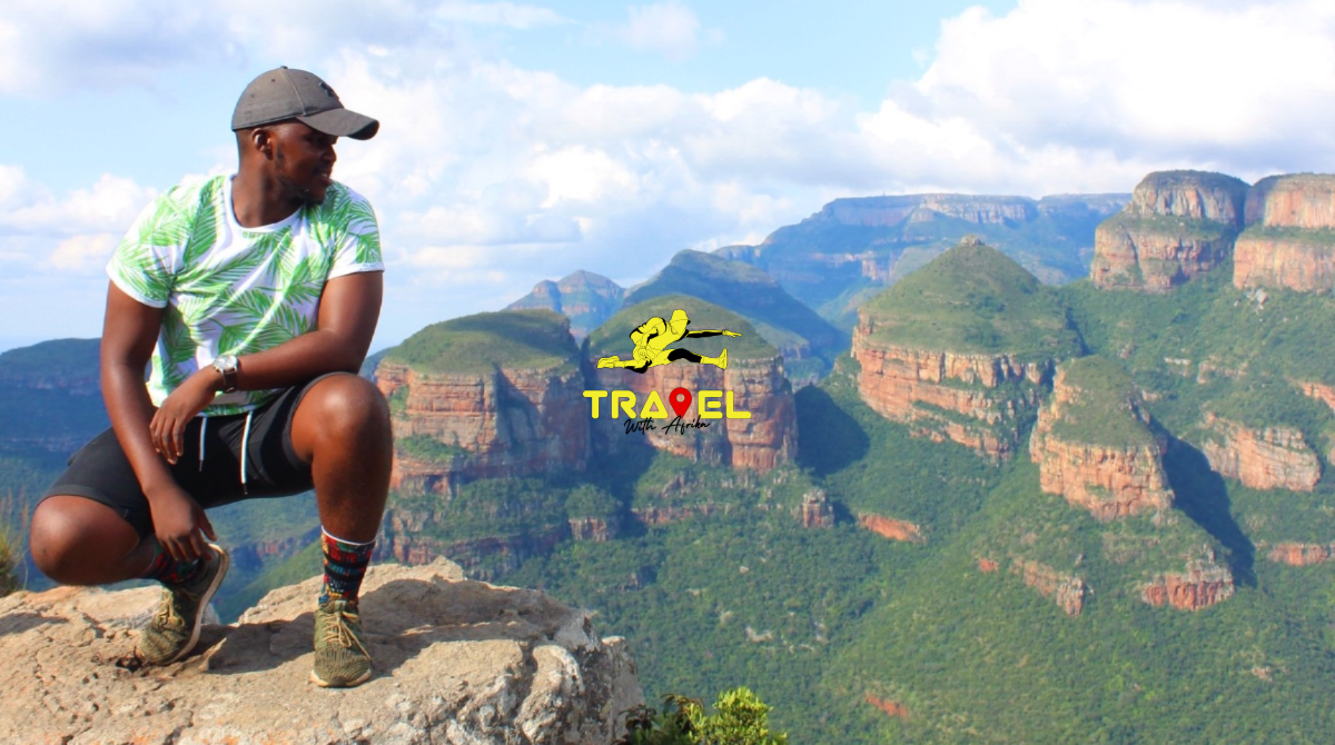 Three Rondavels | Blyde River Canyon Nature Reserve | Panorama Route | Mpumalanga Group Travel Package | Xhosa man | Travel South Africa | © Travel With Afrika